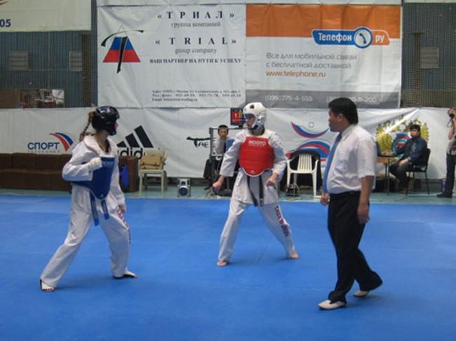 Тхэквондисты из Ярославля взяли 11 медалей на соревнованиях с Санкт-Петербурге