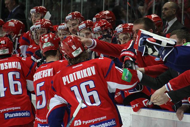 Шоу-группа «Грация» поддержит «Локомотив» в Москве