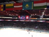 Хоккеисты «Льва» устроили шведский стол прямо у собственных раздевалок
