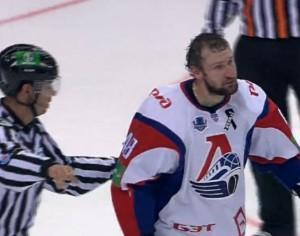 Бывший игрок хоккейного «Локомотива» задержан по делу о мошенничестве