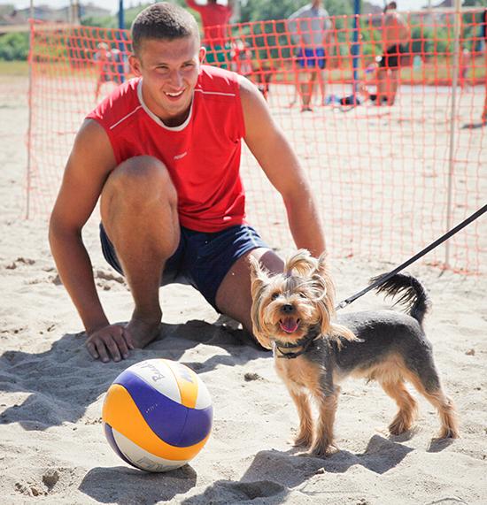 Открытие спортивного стадиона для пляжных видов спорта и другие события выходных