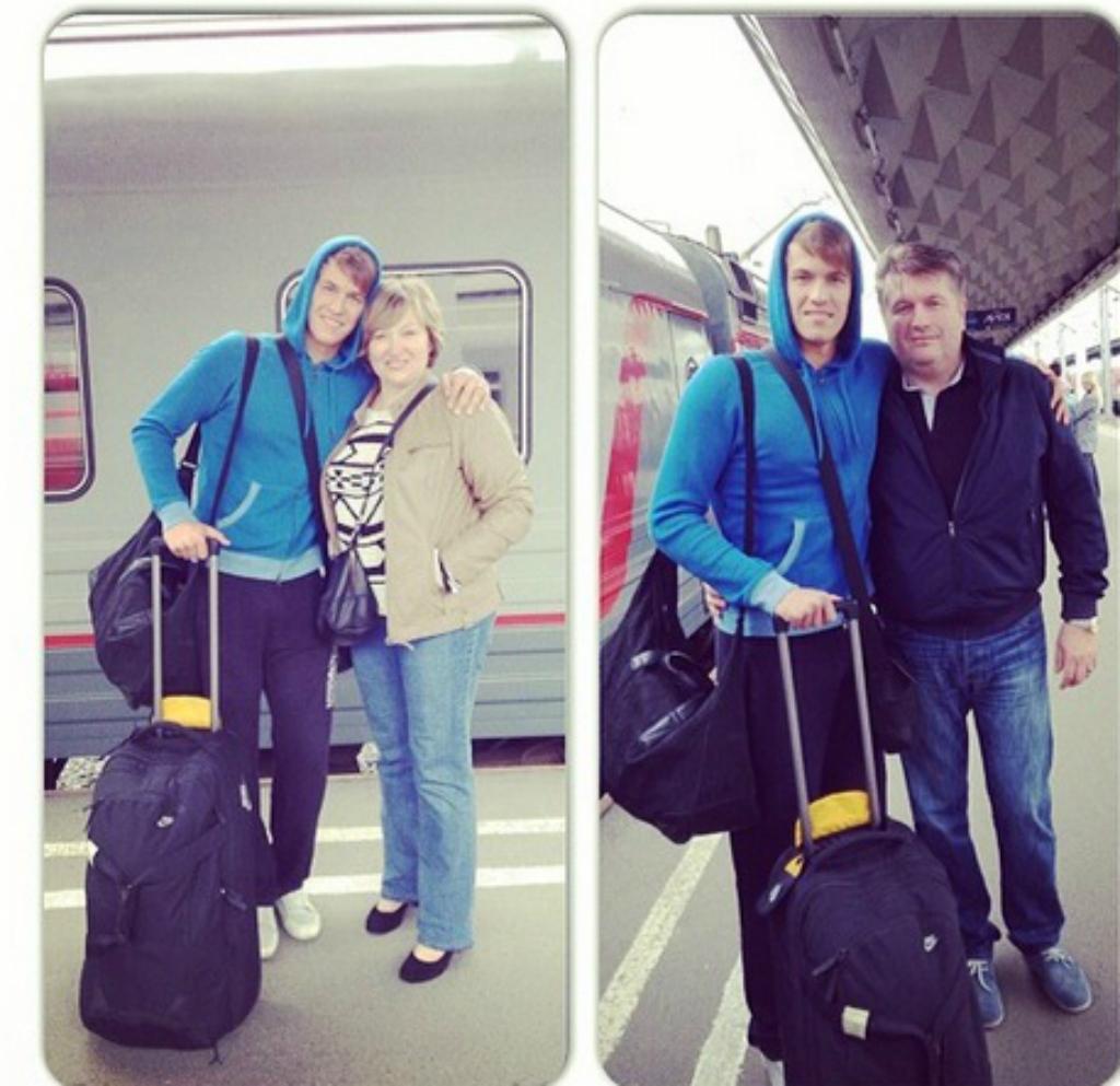 Даниил Сизько отправляется в Ярославль ФОТО: после чего родители его проводили в Ярославль.