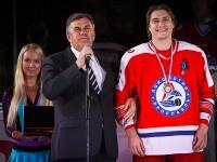 Сергей Ястребов наградил Сергея Плотникова Орденом Почета