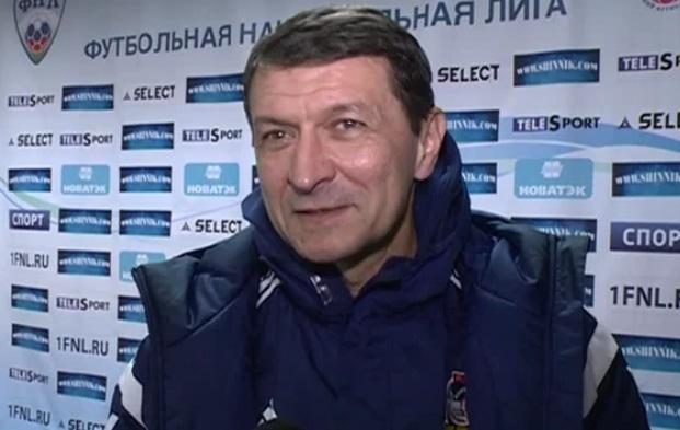 «Шинник» поздравил главного тренера с 60-летием