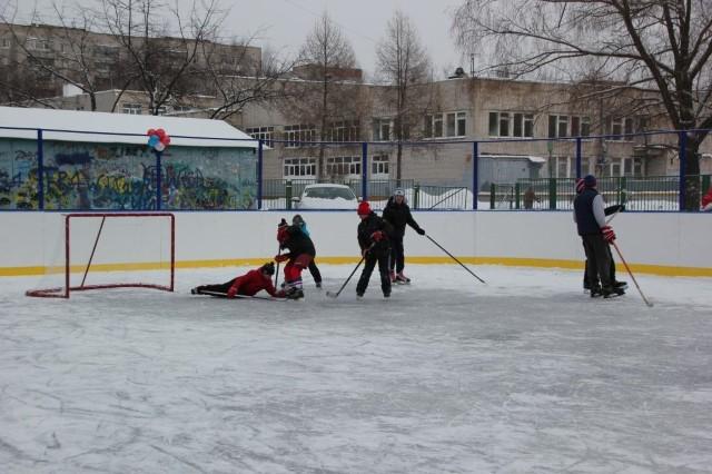 Хоккейный корт у школы №9 имени Ивана Ткаченко в Ленинском районе Ярославля может быть отремонтирован