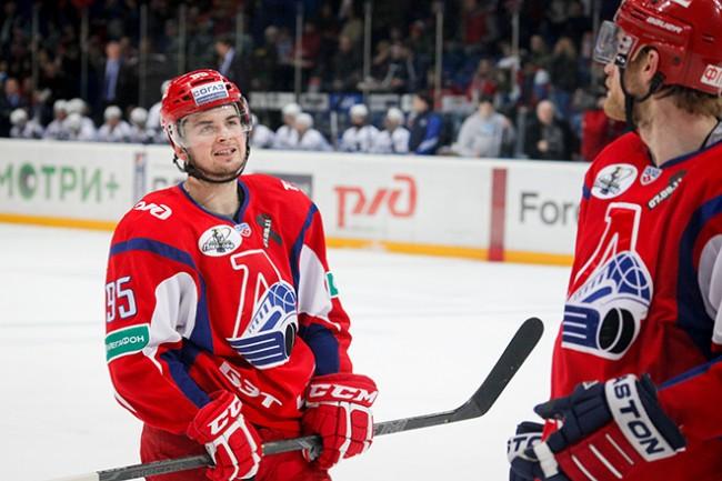 «Локомотив» обыграл «Адмирал»: Локтионов набрал три очка после возвращения