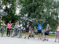 Более 400 человек открыли велосезон в Ярославле