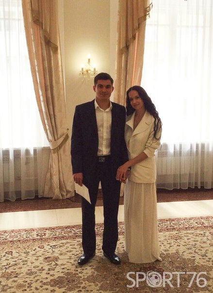 Артур Малоян расписался в Ярославле