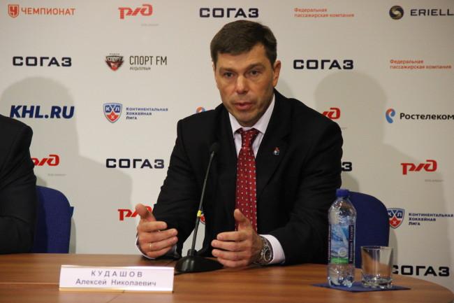 За что «Локомотив» отправил главного тренера в отставку?