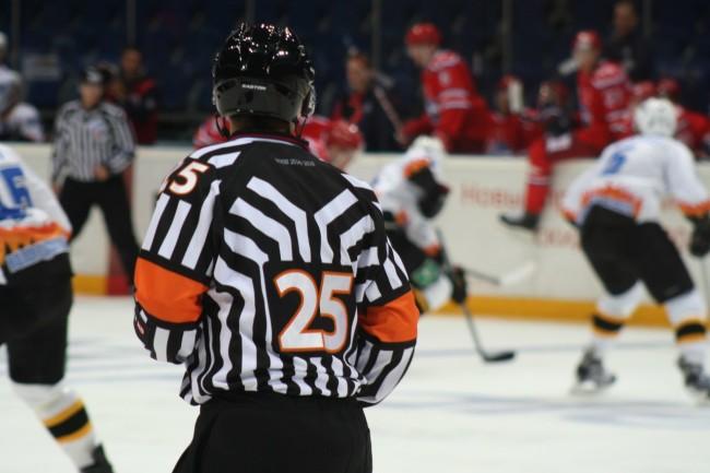 «Локомотив» не доволен работой судей в матче против СКА: ярославцы обратились в КХЛ