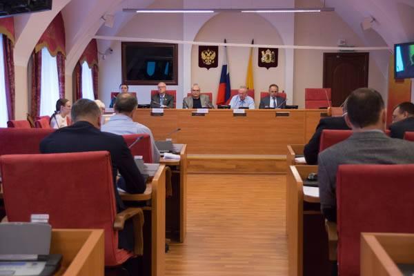 Депутаты облдумы отказались дополнительно выделять ЦПЮФ «Шинник» 8.3 млн. рублей