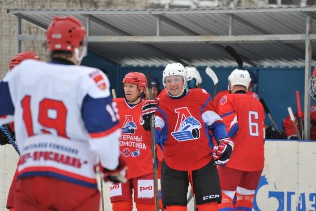 Ветераны «Локомотива» и команда правительства Ярославской области сыграют в хоккей