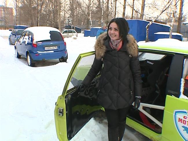 На ралли «Золотые купола» за руль гоночной машины села девушка