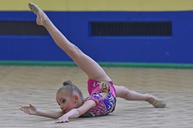 Ярославские девочки заняли 2 место на соревнованиях «Юность России» по художественной гимнастике