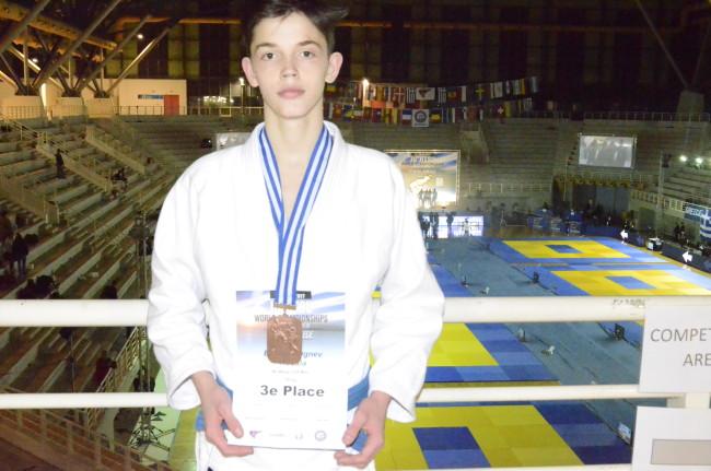 Богдан Огнев завоевал бронзу Чемпионата Мира по джиу-джитсу среди аспирантов