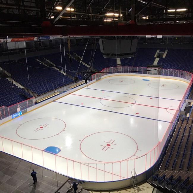 Перед вылетом в Ярославль хоккеисты СКА проголосовали в Петербурге