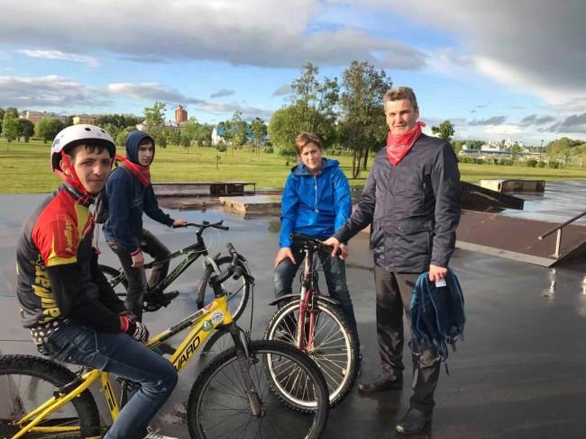 В парке 30-летия Победы в Дзержинском районе обустроят велодорожки