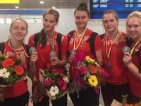 Екатерина Зеленкова в составе молодежной сборной РФ завоевала серебро ЧЕ по гандболу