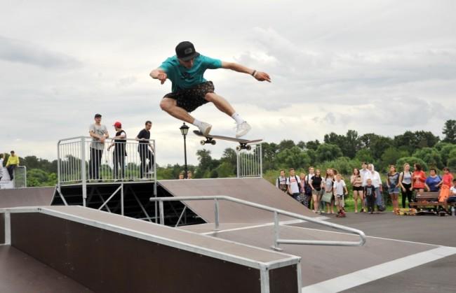 В Тутаеве завершились работы по строительству скейт-площадки