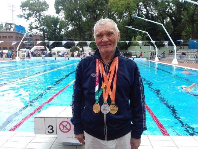 85-летний чемпион и рекордсмен мира Игорь Бровин: за тренировку проплываю больше четырех километров