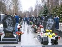«Куньлунь» посетил мемориал в память о погибших хоккеистах «Локомотива»