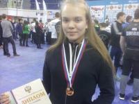 Алика Смирнова удачно выступила на Первенстве России по армрестлингу среди юниоров