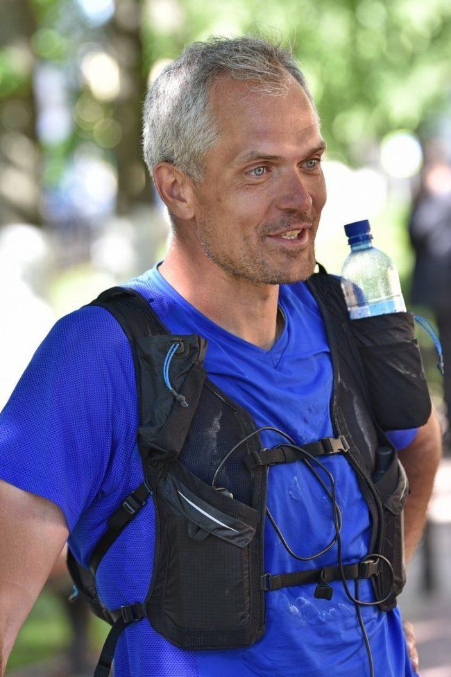 Бегом по Золотому Кольцу: ультрамарафонец завершил дистанцию по туристическому маршруту