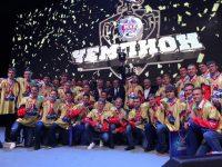Хоккеистов «Локо» и «Локо-Юниор» с медалями поздравили L'One и Аделина Сотникова