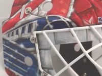 На новом шлеме Бобровского изображен логотип «Локомотива»