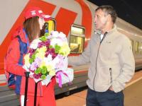 Призера ЧЕ по боксу Александру Тихонову встретили в Ярославле с цветами