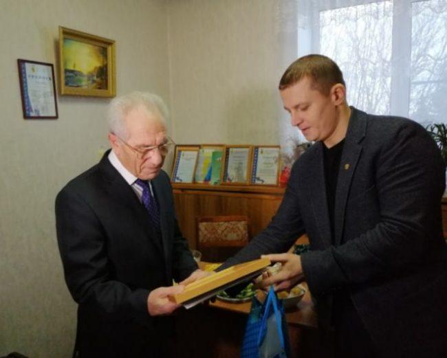 В Рыбинске поздравили с юбилеем Почётного гражданина города Михаила Понарского