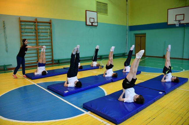 Губернаторский проект «Спорт – детям»: тутаевский лицей №1 получил инвентарь для занятий