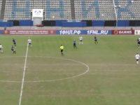 Где Гринпис: футболист подбил голубя прямо во время матча