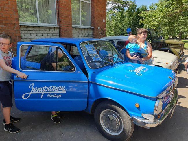Выставка ретро-автомобилей прошла в Кузнечихе