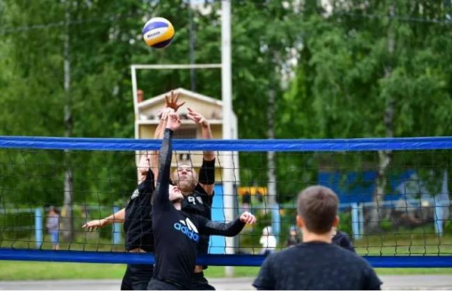 Новую универсальную спортплощадку построили в Ярославле