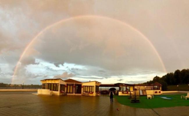 В Ярославле наблюдали живописную двойную радугу: лучшие снимки горожан