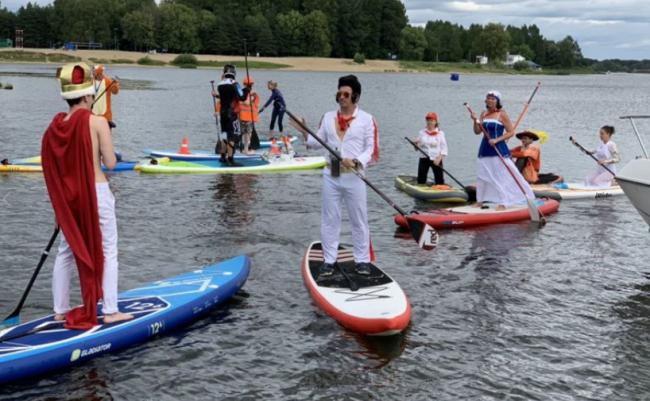 Ярославцы одержали победу в командной гонке соревнований по сапсерфингу