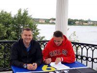 «Шинник» подписал контракт с игроком прямо на Волжской набережной