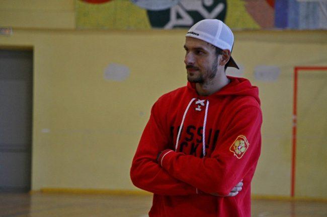 Рыбинские хоккеисты встретились с Артёмом Анисимовым