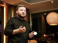 Ярославцы попробовали мясо кабана со сгущенкой и десерт со вкусом грибов на гастроужине от питерского шеф-повара