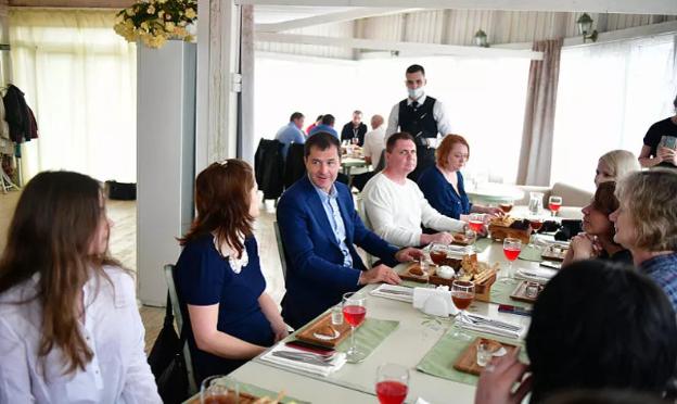 В Ярославле журналисты федеральных СМИ попробовали блюда местной кухни и оценили туристический потенциал