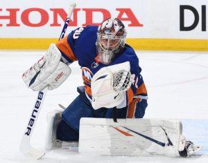 Варламов — первый вратарь в НХЛ, оформивший три шат-аута на домашней арене «Рейнджерс»