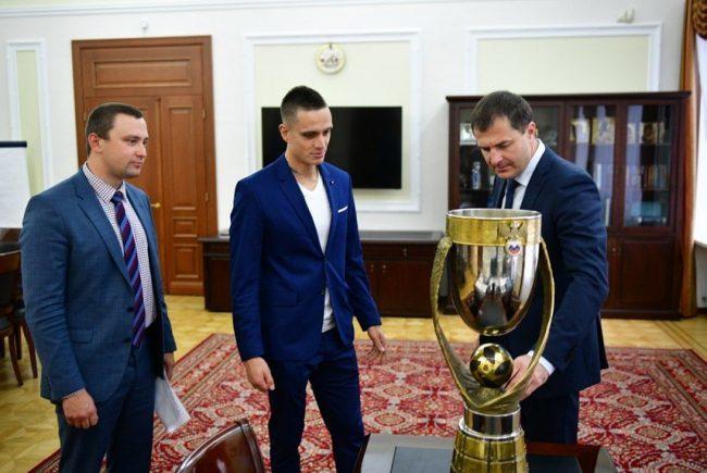 Ярославец Борис Никоноров привез на родину Кубок чемпионов страны по пляжному футболу