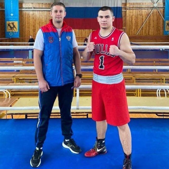 Дмитрий Миронов поздравил рыбинского боксера с победой на юношеском первенстве Европы