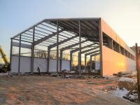 В поселке Красные Ткачи продолжается строительство физкультурно-оздоровительного комплекса