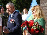 Мэра Рыбинска — известного парашютиста — наградил Путин